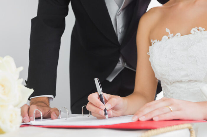 Pros and cons of marriage vs. cohabitation